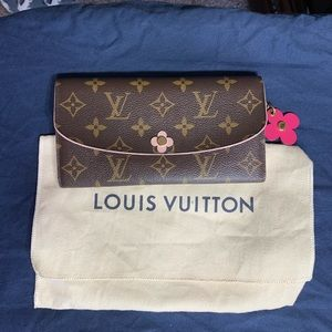 Louis Vuitton bloom flower emilie wallet- new cond